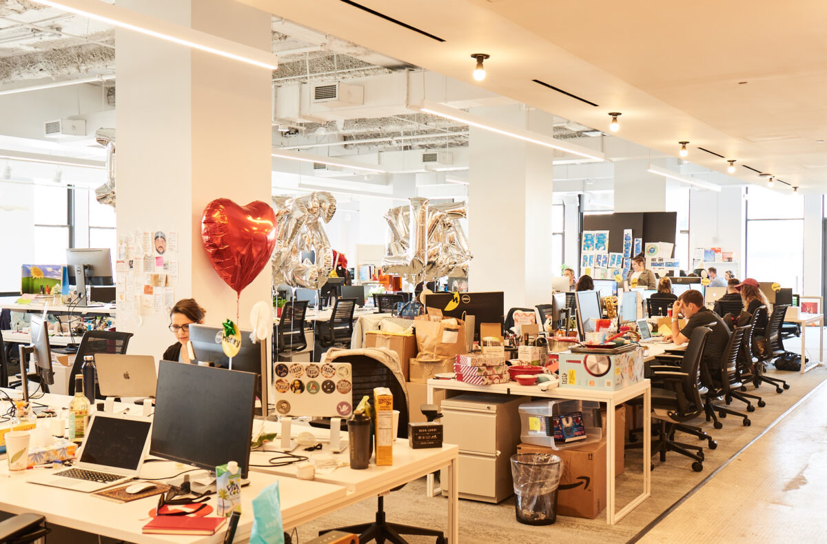 buzzfeed new york office open plan design